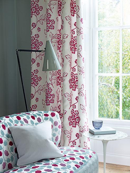 Jane Chuchill tekstiler og tapeter finnes i alt fra nøytrale farger til de mest fargerike kontraster.