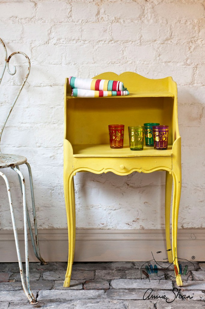 English_Yellow-chalkpaint-anniesloan1