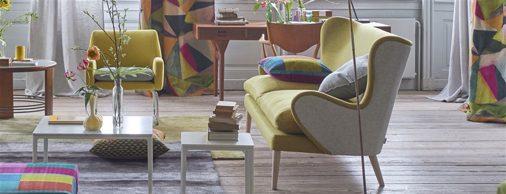 Trendy gul sofa